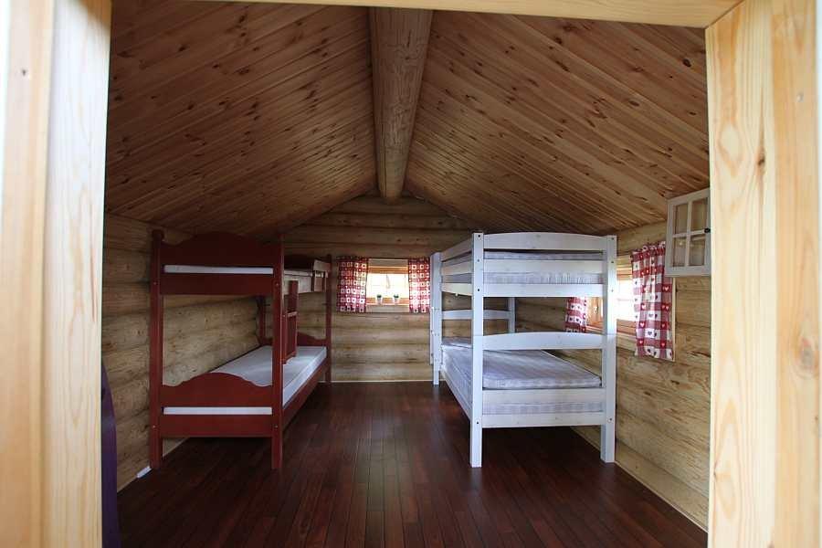 Im Schlafhaus Schou befinden sich zwei Etagenbetten