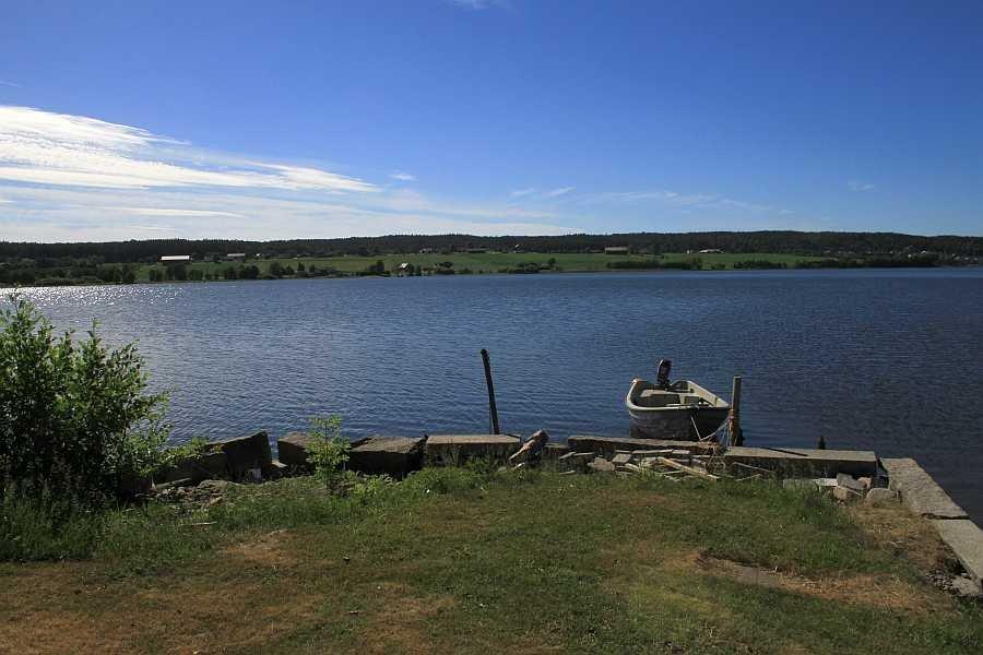 Der Bootsliegeplatz am See