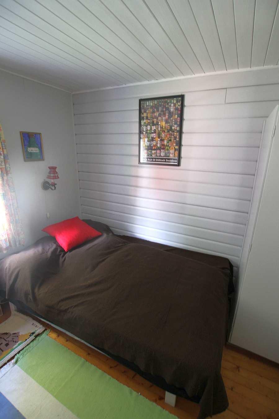 Das Schlafzimmer mit dem Doppelbett