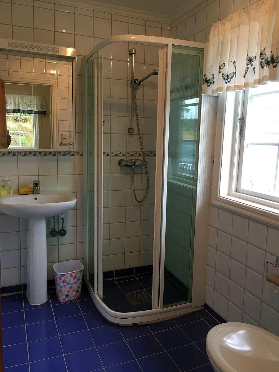 Badezimmer im Ferienhaus Aarnes