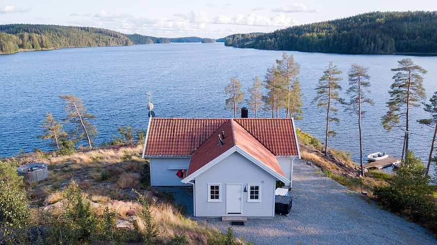Ferienhaus Aarnes - top Lage direkt am Ufer des Hechtsees Øymarksjøen
