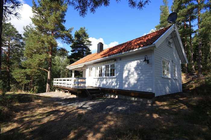 Haus Aarnes liegt auf einem eigenen Naturgrundstück