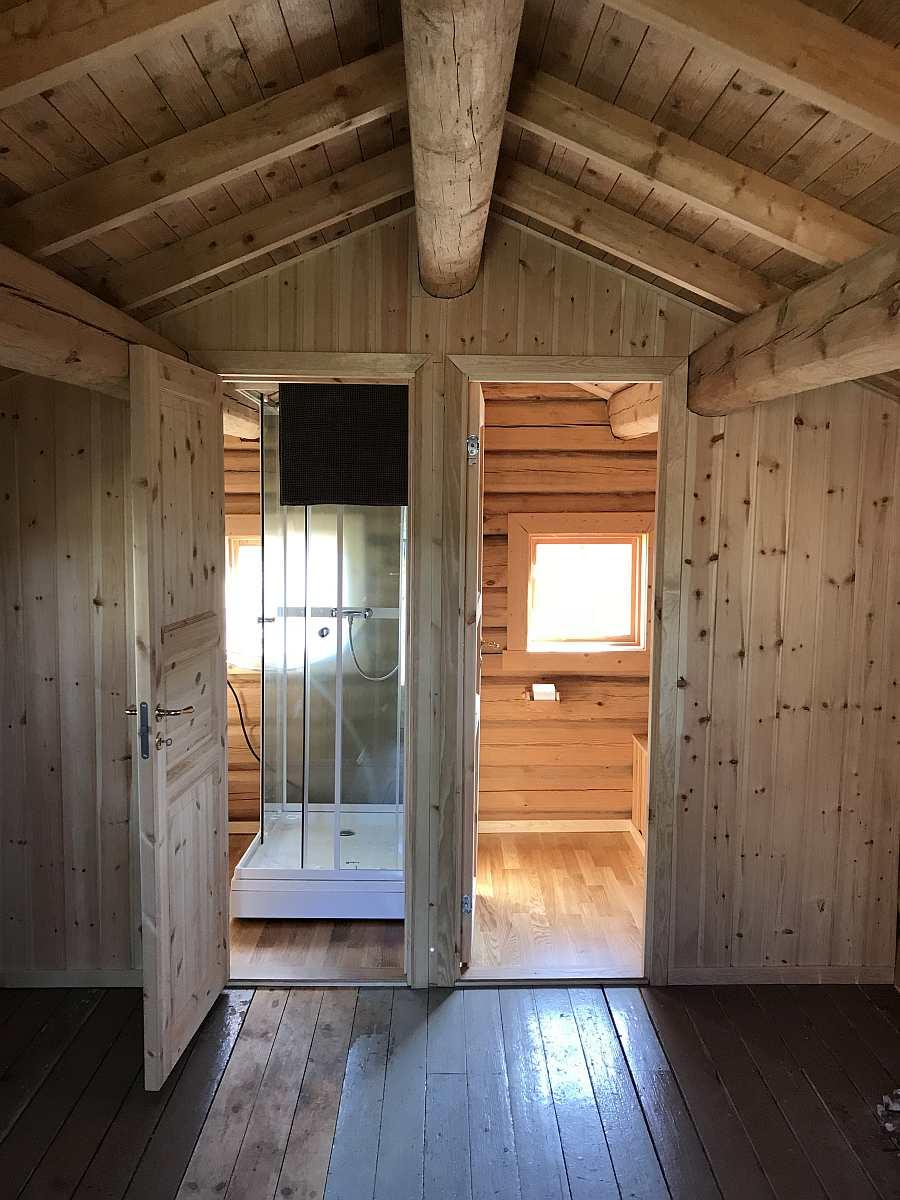 Im Nebengebäude - Zugang zur Toilette und zur Dusche