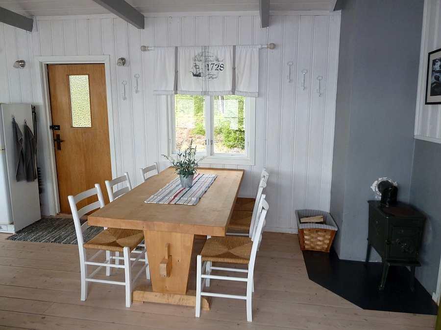 Genug Platz am Esstisch für alle Gäste des Hauses