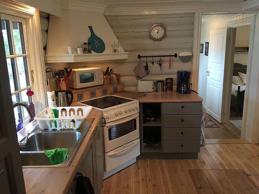Die komplett ausgestattete Küche des Ferienhauses (die Küche wurde Anfang 2017 komplett umgebaut und vergrößert).