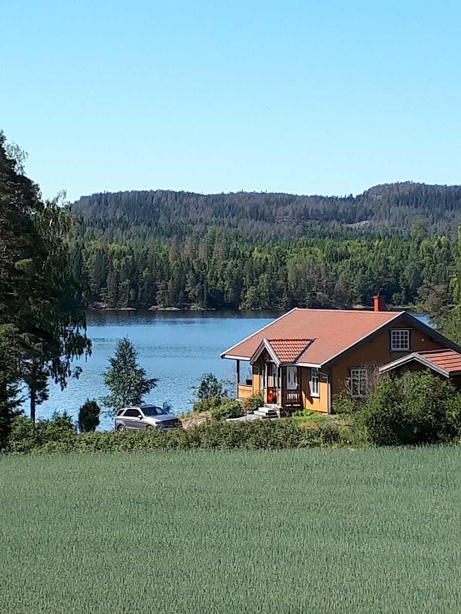 Die direkte Wasserlage des Hauses vermittelt das echte norwegische Wohngefühl