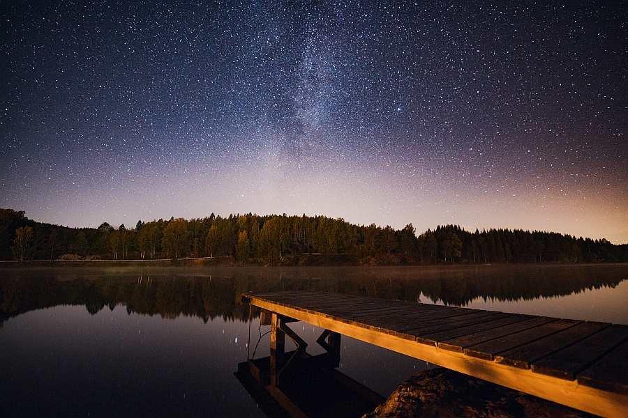 Hier sieht man in klaren Nächten noch  viele Sterne....