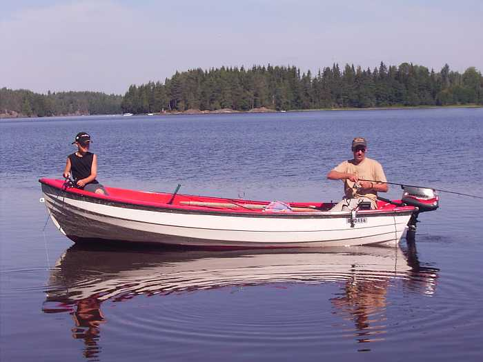 Bereits im Hauspreis enthalten: Angelboot 15 Fuß mit 6 PS -4-Takt-Motor