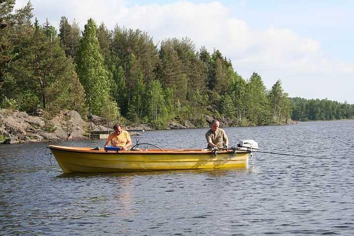 Bereits im Hauspreis enthalten: Motorboot 14 Fuß / 5 PS, 4-Takter