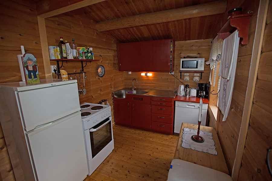 Die komplett ausgestattete Küche des Ferienhauses