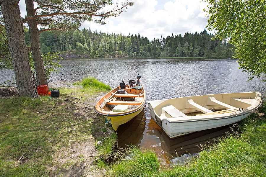 Der Bootsliegeplatz direkt vor dem Haus