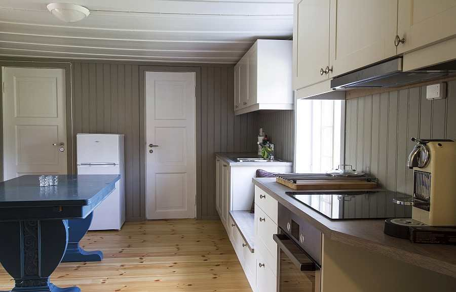 Die moderne Wohnküche des Hauses
