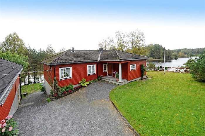 Ferienhaus Oddland mit Nebengebäude bietet Platz für bis zu 8 Personen