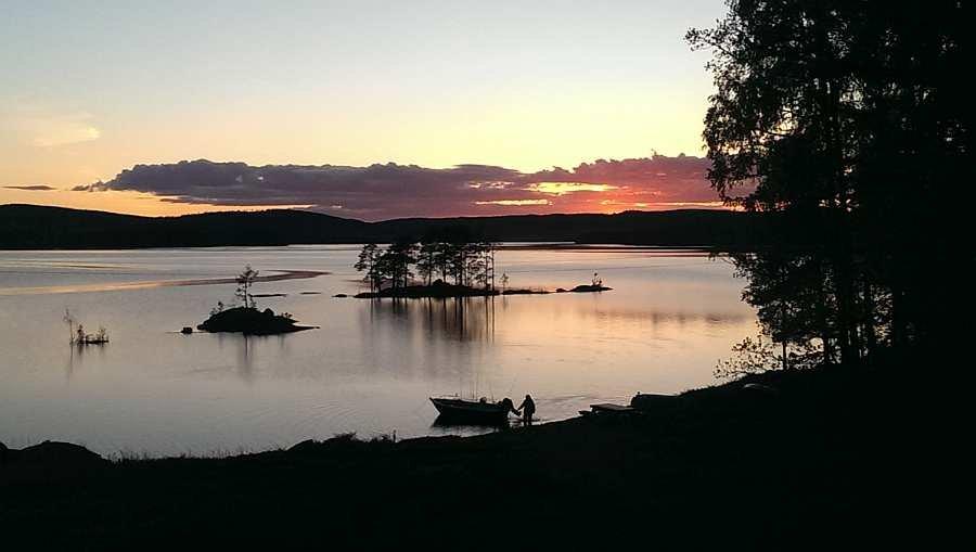 Abendstimmung auf dem See vor dem Haus