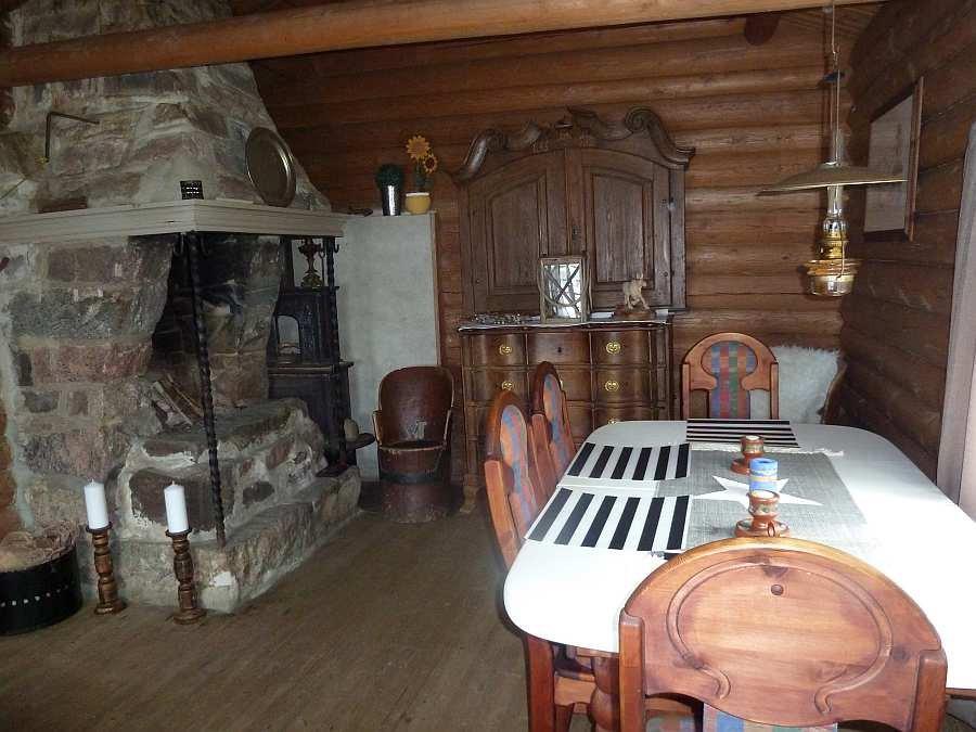 Der Essbereich im Wohnzimmer