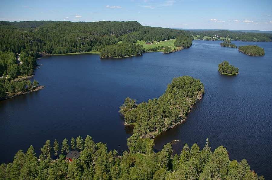 Der ca. 20 km langgezogene See Øymarksjøen ist Teil des Seengebietes Haldenvassdraget