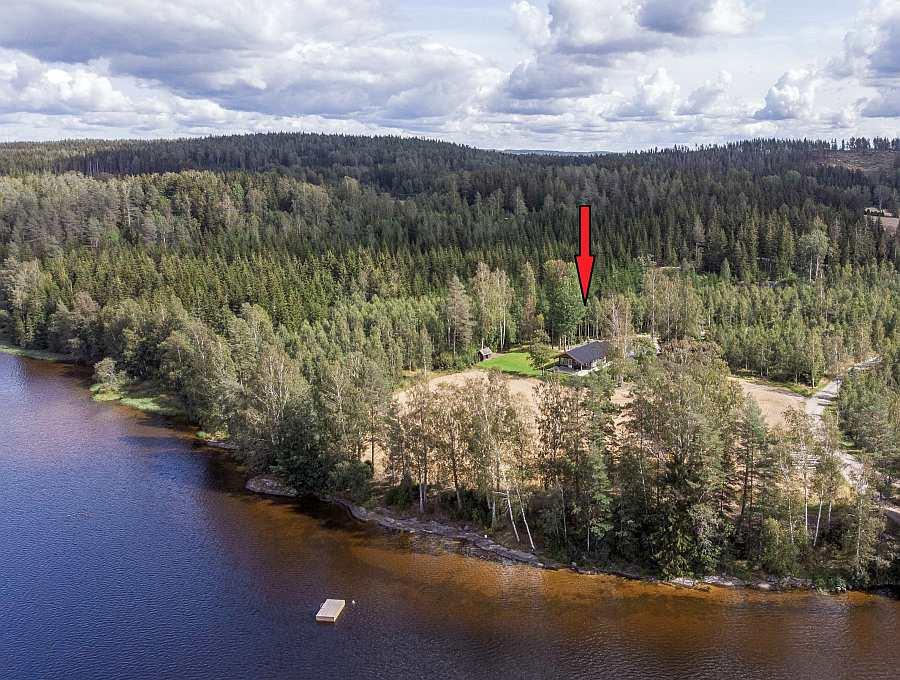 Ferienhaus  >Rødkinn<  liegt in absoluter Alleinlage auf einem eigenen Ufergrundstück am See Øymarksjøen des Seengebietes Haldenvassdraget