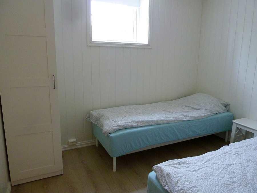 Das zweite Schlafzimmer mit 2 Einzelbetten (hier im UG) - die beiden Betten können bei Bedarf auch hier zu einem Doppelbett zusammengestellt werden