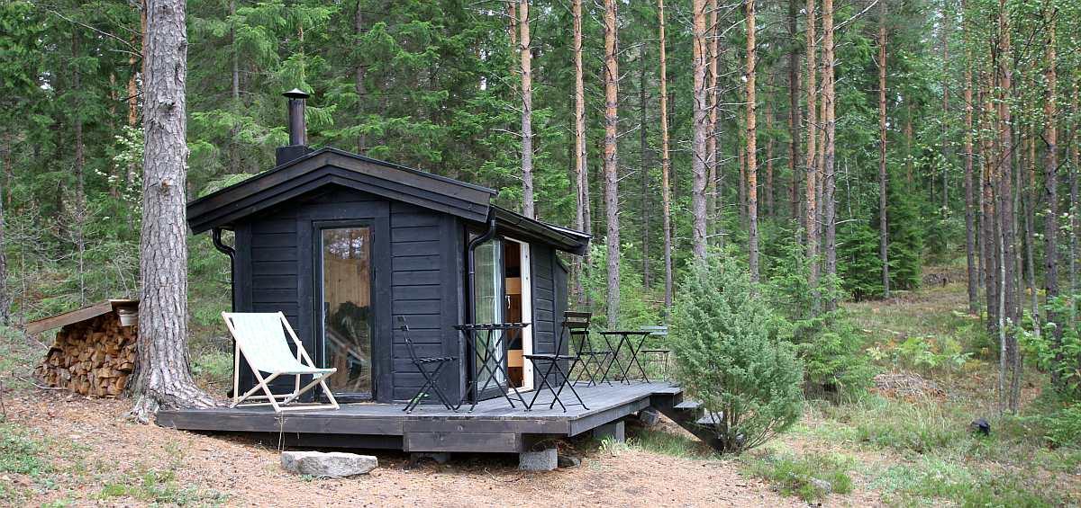 Ferienhütte Skauhytta - direkt hinter der Hütte beginnt der endlose norwegische Märchenwald
