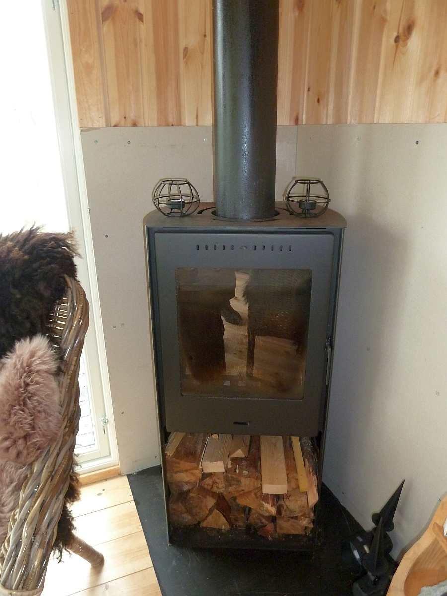 Der Kaminofen der Hütte - sorgt für Wärme und Behaglichkeit