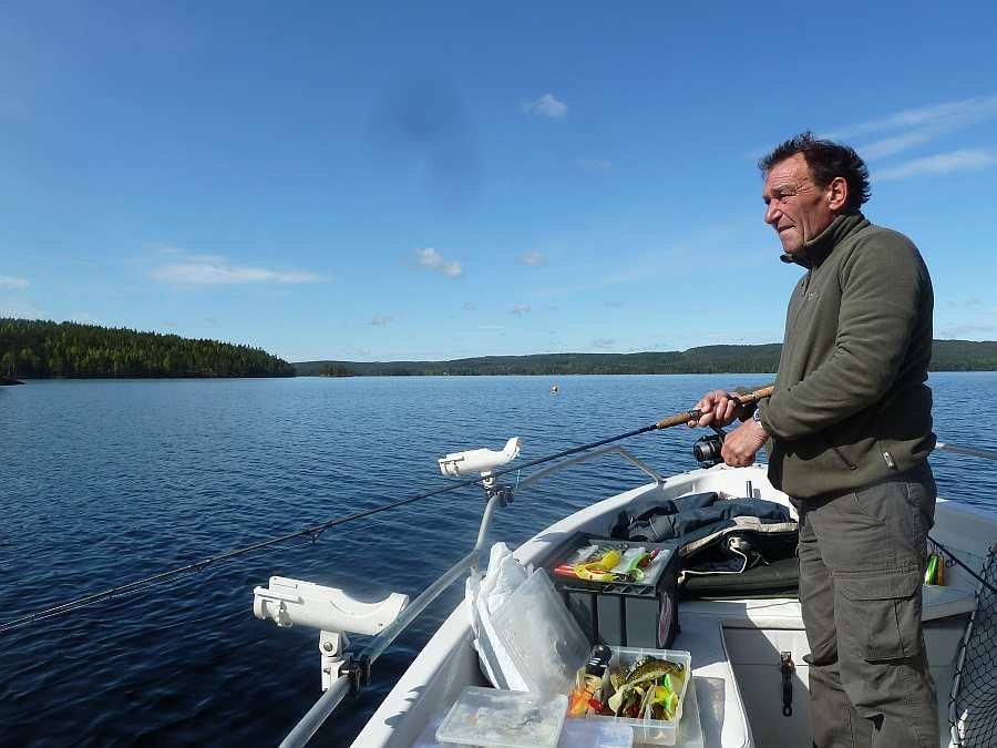 Angeln auf dem See Rømsjøen