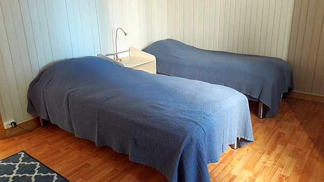Das zweite Schlafzimmer - auch hier sind die zwei Betten bei Bedarf zum Doppelbett zusammenstellbar