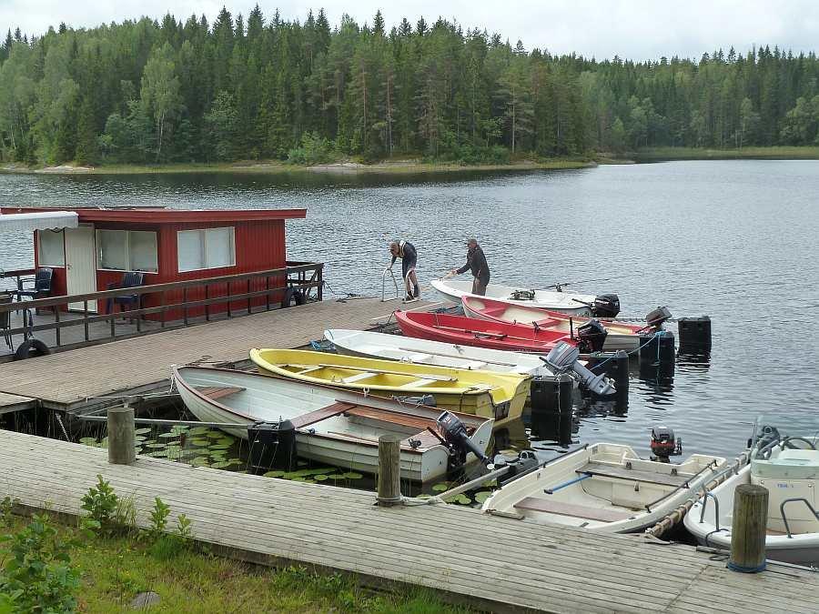 An diesem Bootssteg befinden sich auch die Bootsliegeplätze für die Gäste vom Ferienhaus Sørstua
