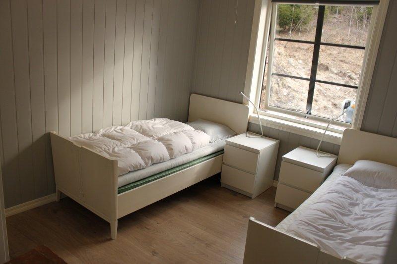 Das zweite Schlafzimmer mit 2 Einzelbetten (können jeweils zum Doppelbett zusammen geschoben werden)