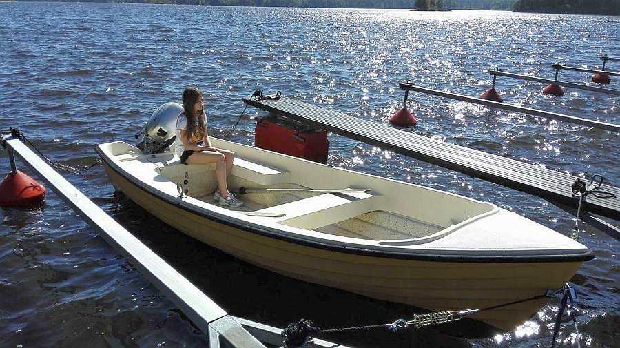 Bereits im Hauspreis enthalten: Angelboot 15 Fuß/10 PS, 4-Takter