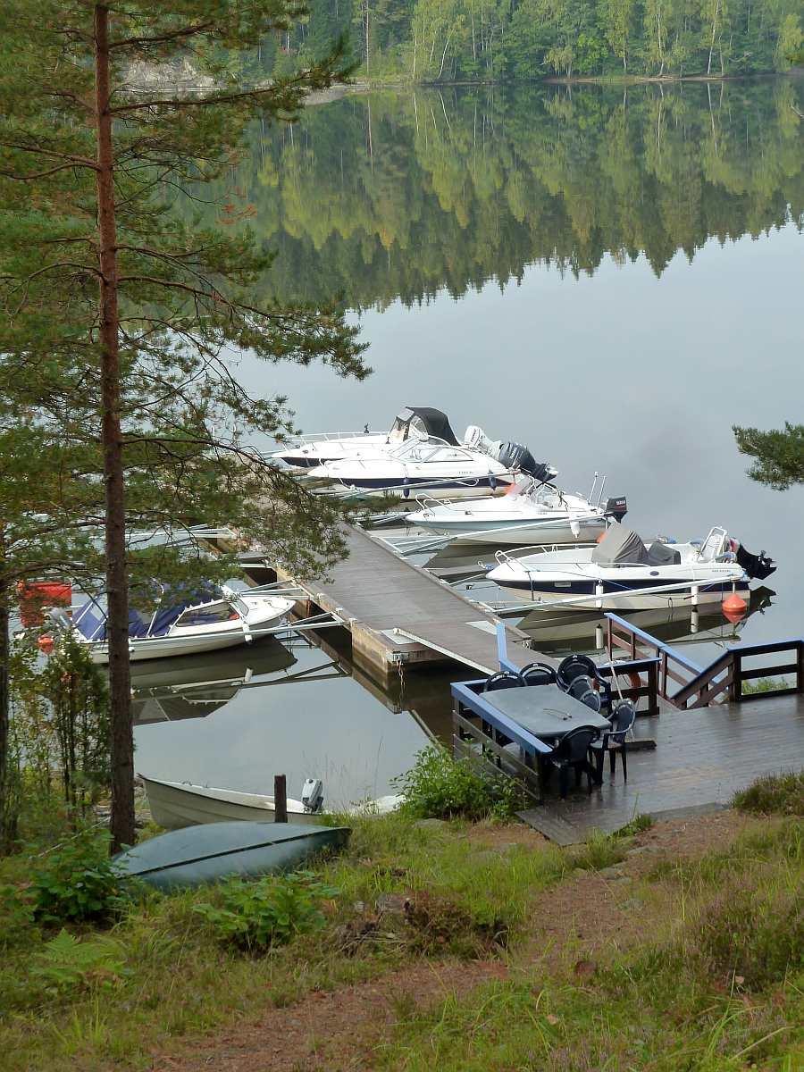 Der gemeinschaftliche Bootssteg - hier haben die Gäste von Haus Stine einen eigenen Bootsliegeplatz