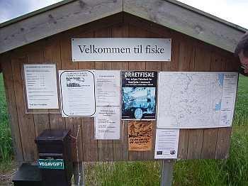 Vertrauen pur! Hier zahlt man die Angellizenz für das Forellengebiet Vestfjella