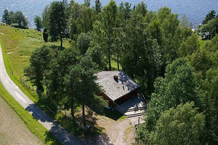 Haus Vidsyn liegt nahe am Ufer des Sees Rødenessjøen