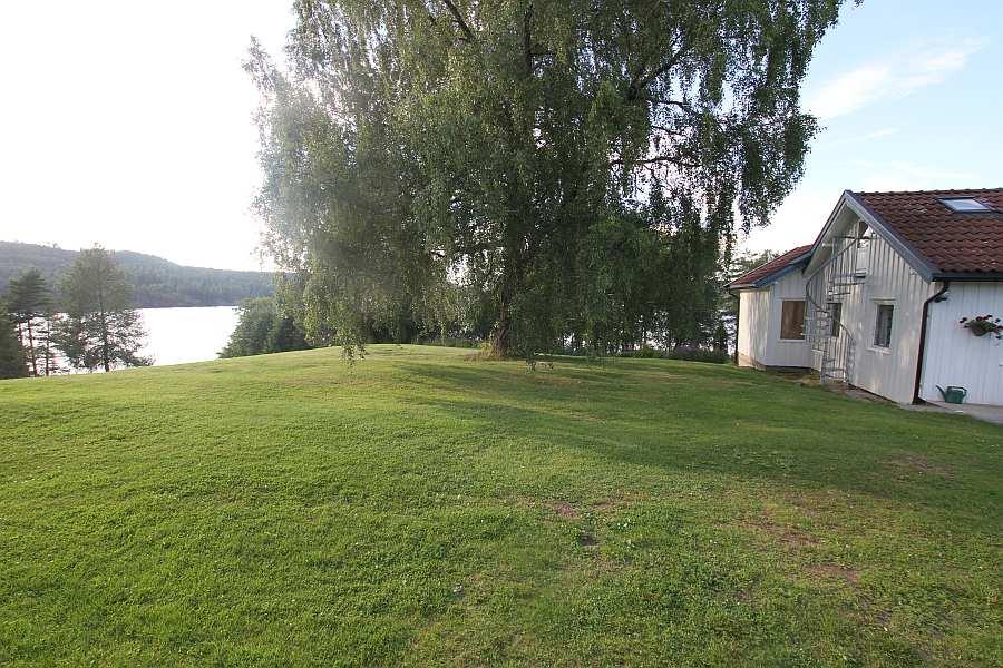 Ferienhaus Vestenga - direkte Wasserlage auf einem riesigen Ufergrundstück
