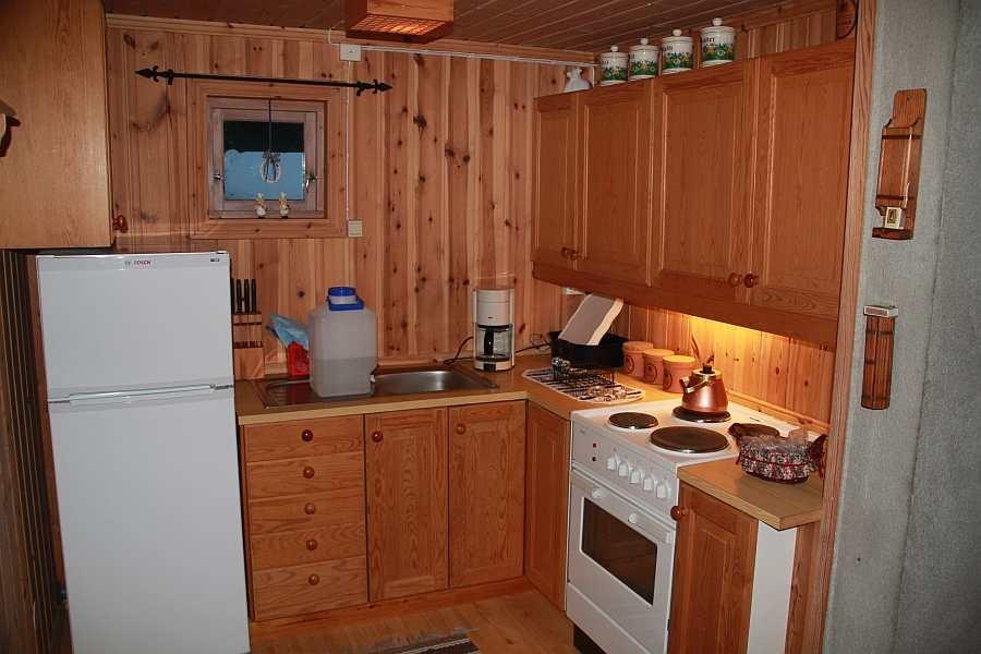 Die Küche ist komplett eingerichtet