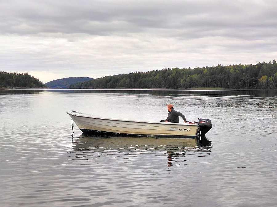 Das Tauschboot - 17 Fuß/15 PS, 4-Takter - kann optional anstelle des 14 Fuß Bootes gebucht werden