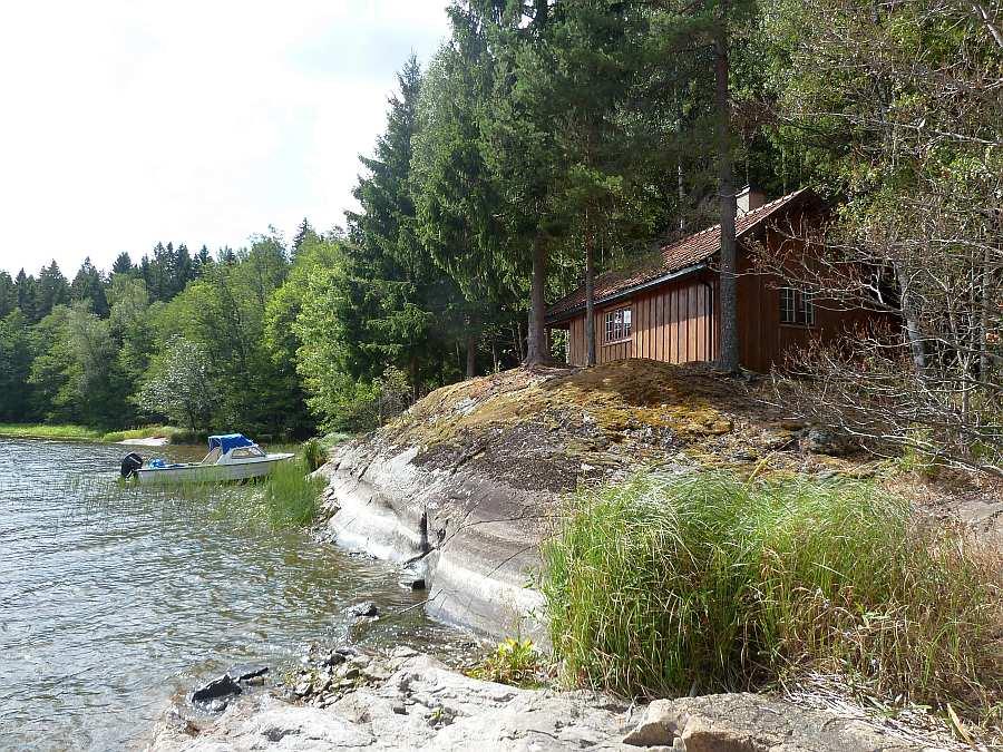 Das Ferienhaus Henæskoia liegt in absoluter Alleinlage
