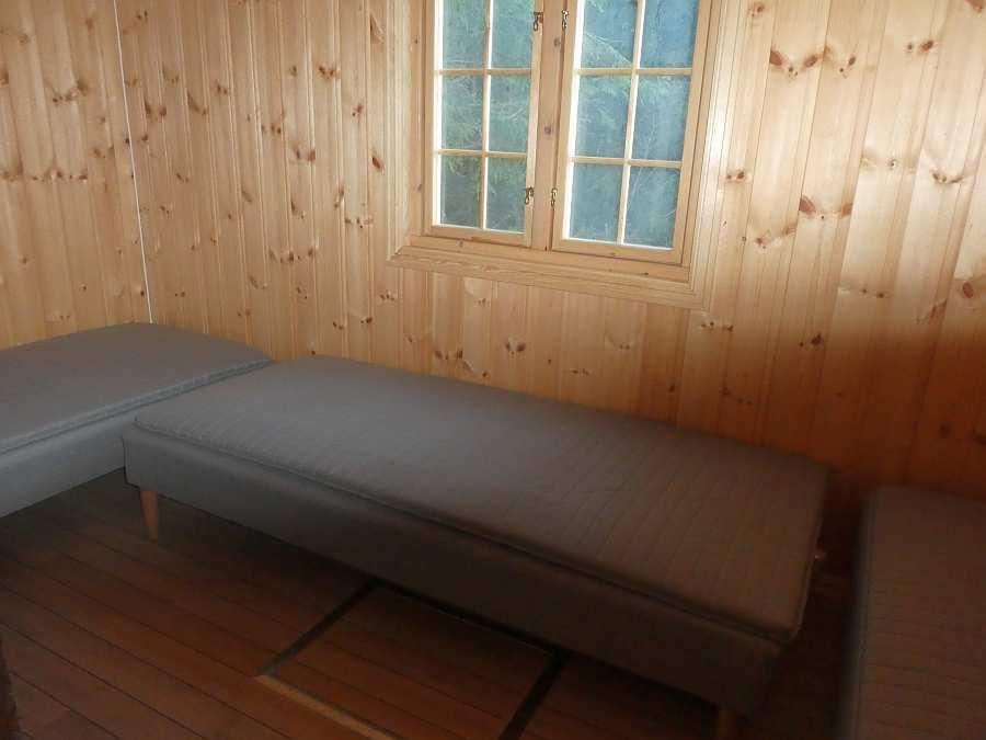 Das Haus verfügt über 3 Betten - wir empfehlen eine Belegung mit 2 Personen