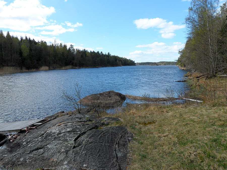 Blick vom Ende der Hausbucht hinaus auf den See