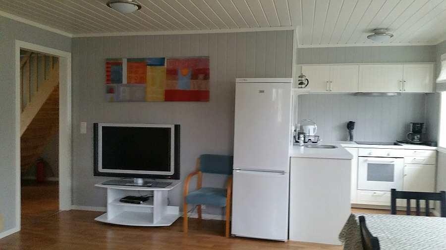 Ferienwohnung Gjedda - Blick vom Wohnbereich Richtung offener Küche