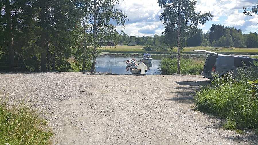 Der Bootsliegeplatz - hier kann man gerne mit dem Auto parken