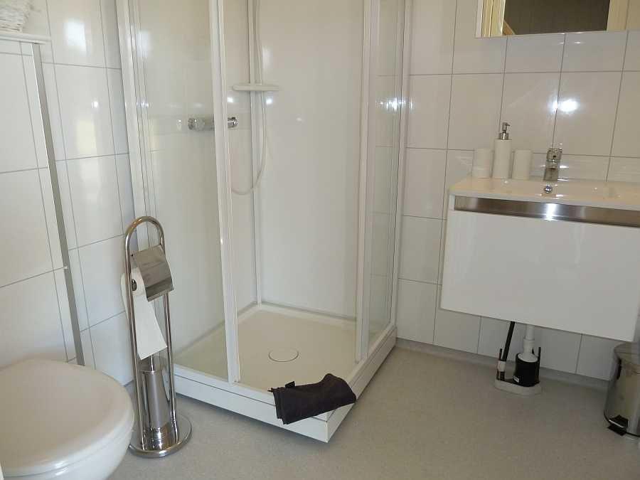 Ferienwohnung Abborn - Bad mit Dusche und WC
