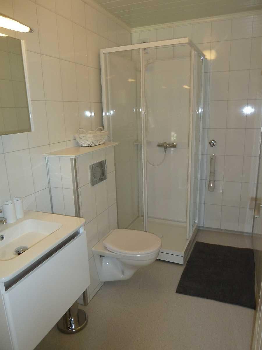 Ferienwohnung Gjedda - Bad mit Dusche und WC