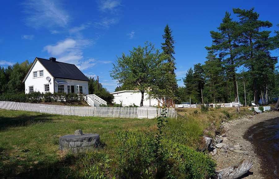 Ferienhaus Nabben bietet eine eigene, über 30 Meter lange Uferlinie am See