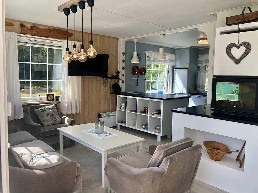 Übergang vom Wohnbereich  in die offene Studioküche