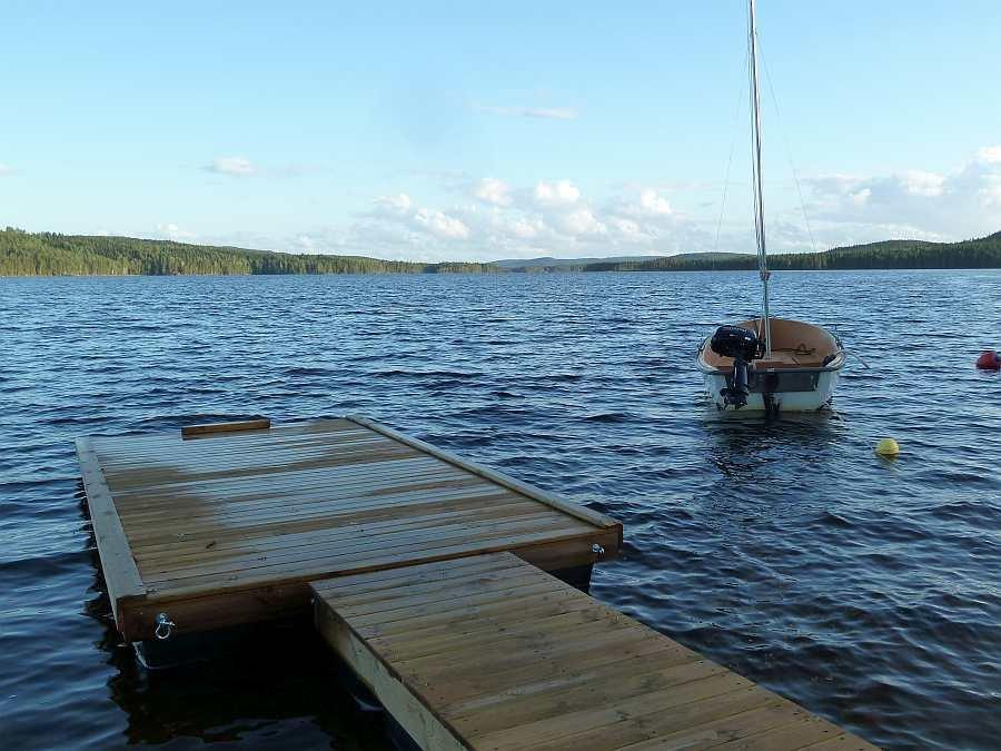 Der eigene Schwimmsteg am Ferienhaus