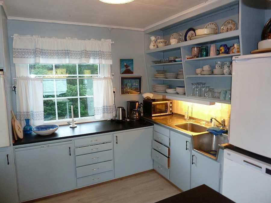 Die Küche ist komplett ausgestattet. Geschirrspüler, 2 Kühlschränke... bis zum Mixer... alles ist vorhanden