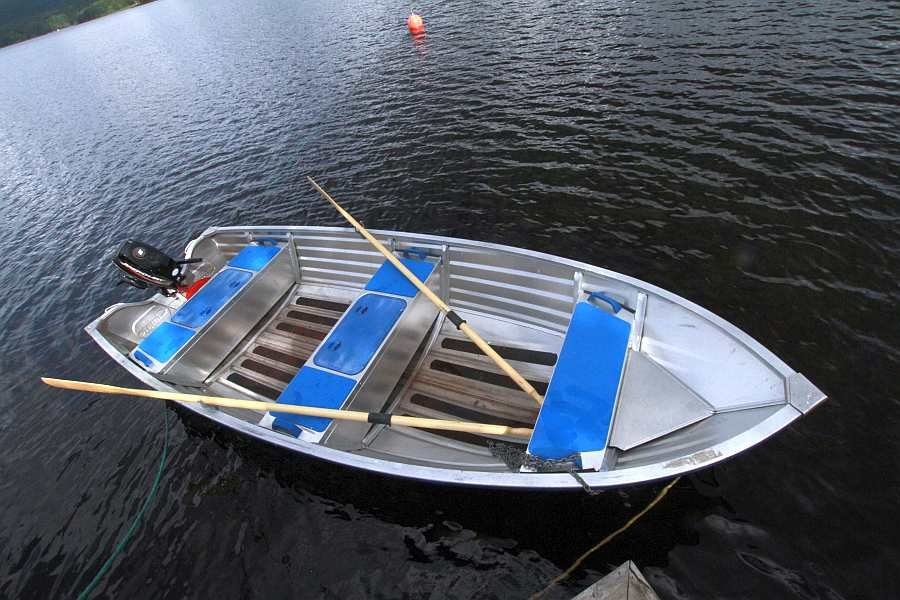 Das Alu-Angelboot ist perfekt zum Fischen geeignet