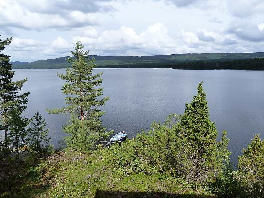 Blick von der Veranda auf den See