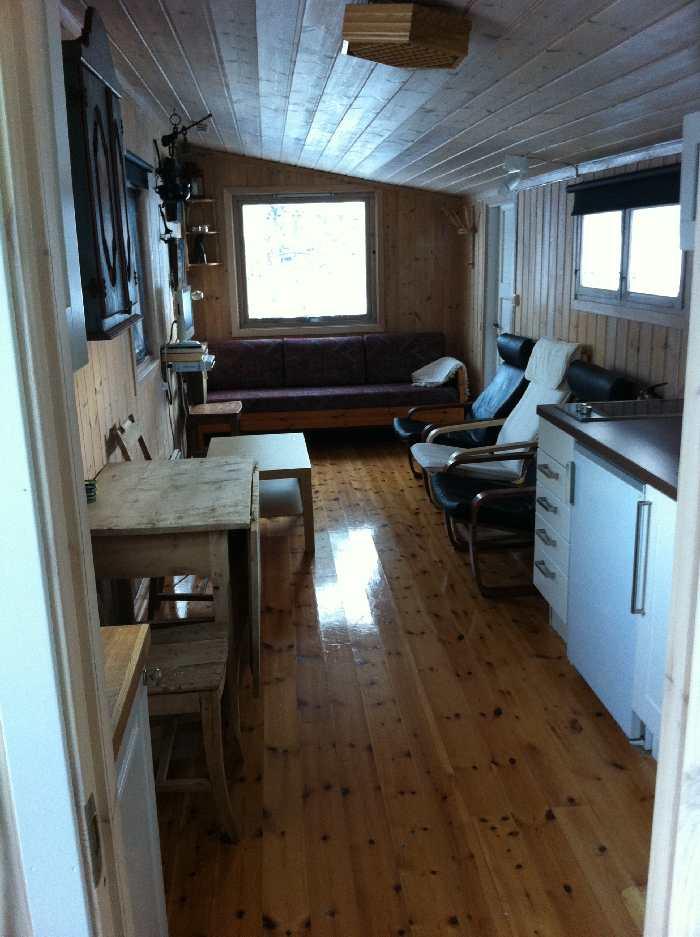 Ferienhaus Tangen Typ 2 - kombinierte Studioküche und Wohnraum mit direktem Seeblick