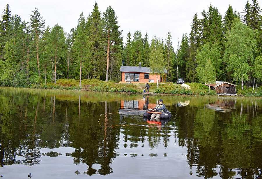 Mit am effektivsten fängt man die Bachforellen des Sees vom Belly Boat aus...